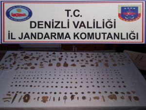 Jandarma Düzenlediği Operasyonda 422 Parça Tarihi Eser Ele Geçirdi