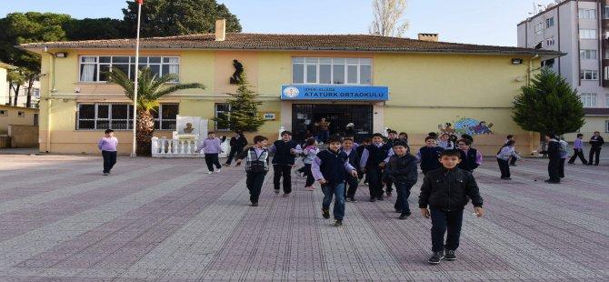 Aliağa'da 16 Bin 557 Öğrenci Ders Başı Yapacak