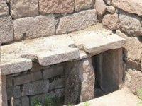 Aigai Antik Kenti'nde Kaçak Kazı: 2 Gözaltı