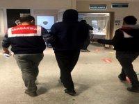 İzmir'de Uyuşturucu Satan PKK'lı Yakalandı