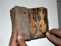 Muğla'da 700 Yıllık Tevrat Ele Geçirildi