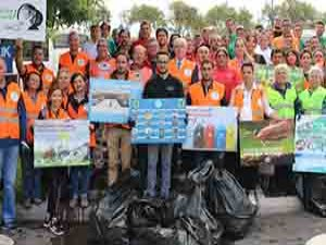 Temiz Bir Dünya İçin Çöp Topladılar