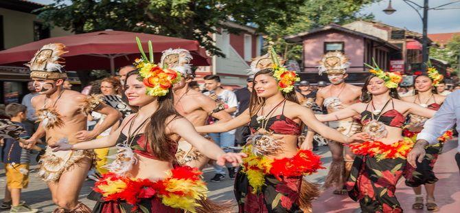 Bursa'da Rio Karnavalını Aratmayan Görüntüler